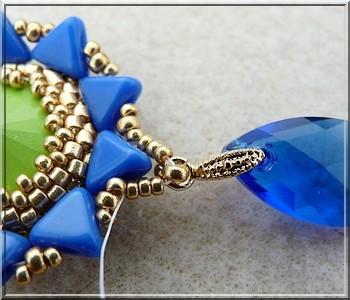 2be89874d9b5 Tutoriel bijoux boucles d oreilles Salomé avec cristaux Swarovski cabochon  majestic blue et vert lime