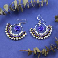 83da6f605482 aretes con cristales de Swarovski Salomé majestuosa azul y perlas de cal y  vidrio y Amos® Khéops® por Puca® · perlas de Swarovski criollos tejidas  Mini ...