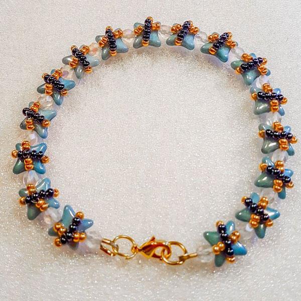 15e99cc6f269 Pulsera DIY con cuentas de vidrio Star Beads y Mini Rocailles ...