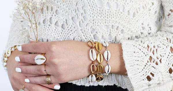28842226340f DIY Easy Jewelry - Pulsera de macramé con nudo vaquero y deslizante ...