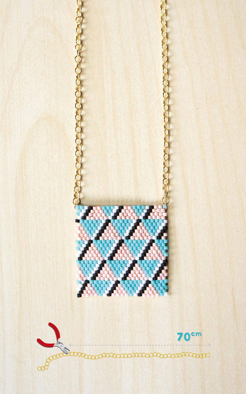 Ladrillo de la puntada de tejer collar turquesa y rosa brillante con ...