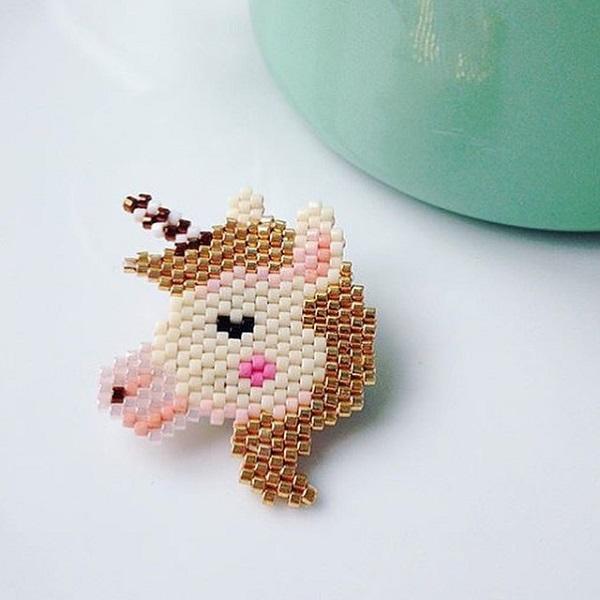 patrón de unicornio para tejer brickstitch por Pink bigote - Perles & Co