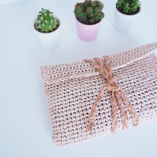 bolsa de ganchillo en colores pastel en el papel creativa DIY alam ...