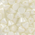 Button Bead 4 mm Pastel White x50