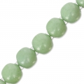 Cuentas de vidrio Dobble Beads 2 agujeros 8 mm Op. Light Green Ceramic Look x20